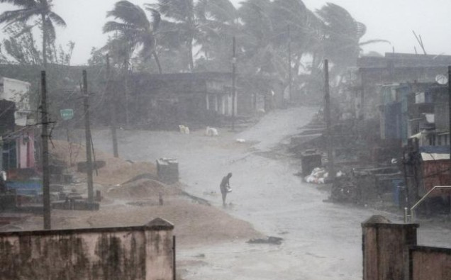 12 feared dead in India cyclone shelter image