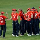 2019-07-31t192944z_1068718529_rc196aa7b2a0_rtrmadp_3_cricket-ashes-eng-aus-women