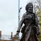 733185-sikh-statue