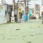 A submerged street in Habib Nagar