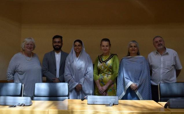Her-Holiness-Satguru-Mata-Sudiksha-Ji-Maharaj-with-leader-and-Cllr-Lloyd-1000x500