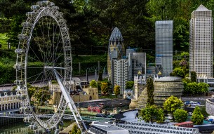 LEGO London skyline credit mrgarethm via Wiki Creative Commons