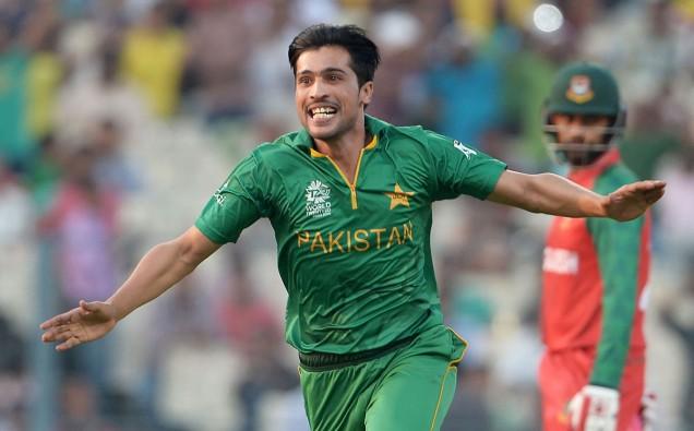 Pakistans ace bowler image