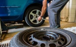 winter-tires-2861853_640